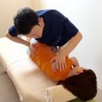 京都烏丸式骨盤矯正|雑誌や書籍に掲載!烏丸鍼灸整骨院独自の骨盤矯正法です。